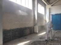Побелка стен краскопультом