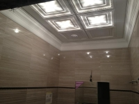 Покраска потолка и лепки