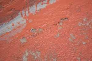 Отслоение цементного молочка с финишным покрытием